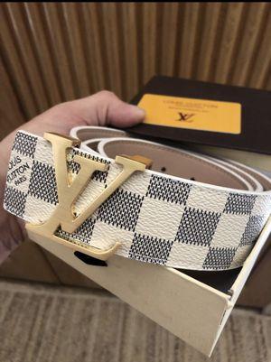 """Men's Louis Vuitton belt 30-34"""" perfect condition for Sale in Scottsdale, AZ"""