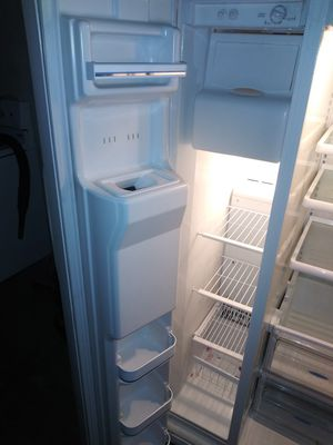 Frigidaire refrigerator side by side for sale works great for Sale in Turlock, CA