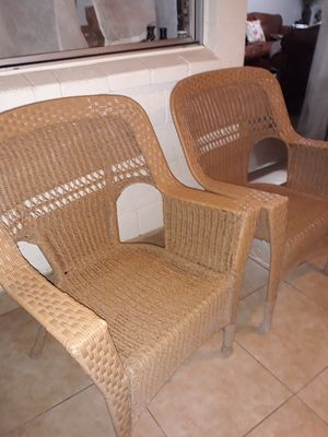 2 Piece Patio Furniture very cold condition Both for$80 for Sale in Glendale, AZ