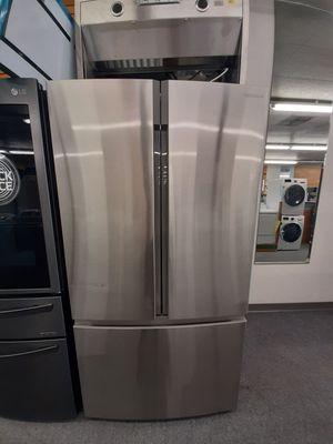 Refrigerator nevera INSIGNIA for Sale in Kissimmee, FL