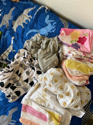 FREE ( Girls toddler / crib size bed sheets ) for Sale in Fresno, CA