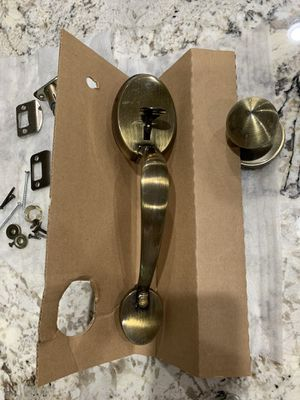 Front door lock with deadbolt—2 keys for Sale in Orlando, FL