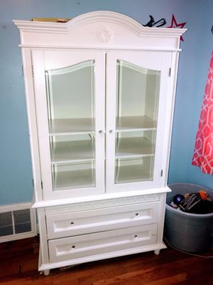 White China Cabinet Hutch Dresser TV Stand for Sale in Florissant, MO
