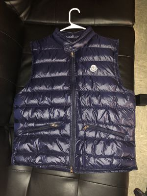 Moncler GUI vest size 4 for Sale in Baltimore, MD