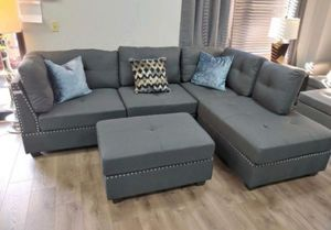 Grey linen sectional sofa with ottoman NEW 104x75 for Sale in Fort Lauderdale, FL