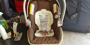 Snugride Click connect car seat for Sale in Austin, TX