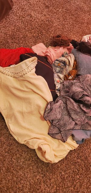 Clothes small and meduim good condition for Sale in Fowler, CA