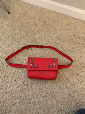 Guess Waist bag for Sale in Los Angeles, CA