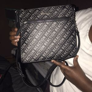 Reaction Kenneth Cole Purse for Sale in Fort Lauderdale, FL