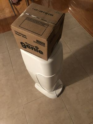 Diaper genie for $20 with a 3 pack re fill. for Sale in Queens, NY