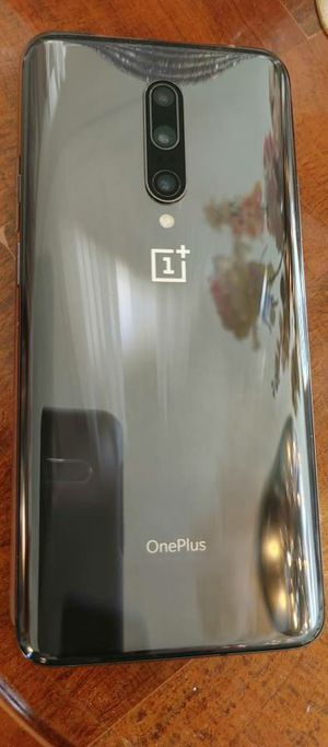 OnePlus 7 PRO / T MOBILE network / 256gb / 8gb Ram / LIKE BRAND NEW : 10/10 (No Lowballers) for Sale in Chicago, IL