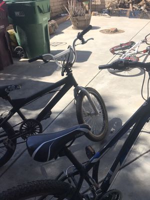 Mountain bike and moongoes trick bike for Sale in Beaumont, CA