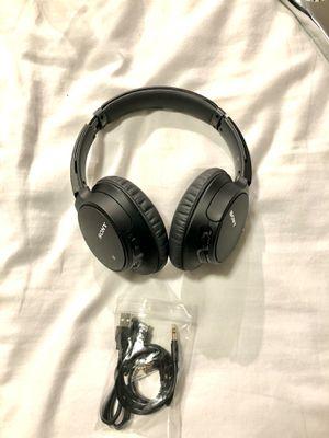 Sony Wireless NoiseCancelling Headphones w/ built-in Mic - WH-CH700N ($200 MSRP) for Sale in Miami, FL