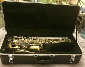 Student Alto Sax with Case $500 for Sale in Peoria, AZ