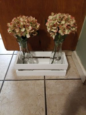 Box vase with flowers home decor for Sale in Parlier, CA
