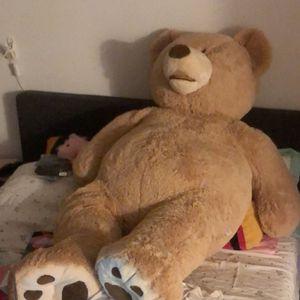 Giant teddy Bear 4 ft for Sale in Miami, FL