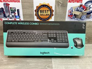 Logitech Complete Wireless Combo Keyboard With Mouse Gaming Grade for Sale in Palmetto Bay, FL