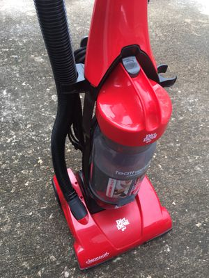 Cherry Red Vacuum cleaner 🍒 for Sale in Houston, TX