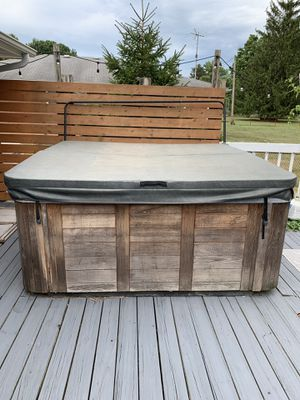 Hot tub for Sale in Whitehall, OH