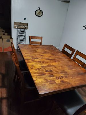 Dinning room table for Sale in Virginia Beach, VA