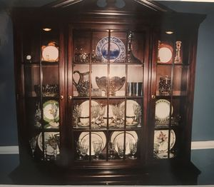 Davis Cabinet Co China Cabinet for Sale in McLean, VA