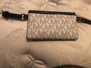 Michael Kors fanny pack / belt for Sale in Silver Spring, MD