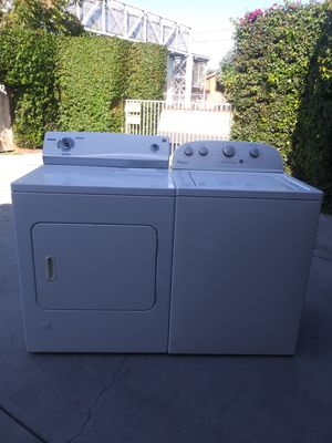 Semi new set only two and a half years old Whirlpool washer in Kenmore gas dryer both in good working condition for Sale in Gardena, CA