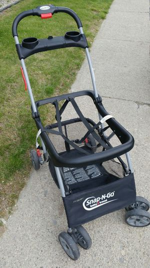 Baby Trend Snap n Go Universal Car Seat Stroller for Sale in Allegan, MI