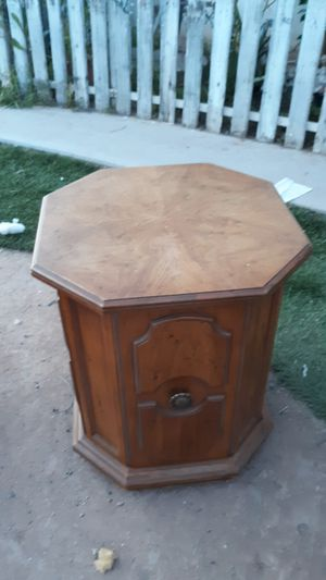 Heritage collection Wooden octagon table for Sale in Phoenix, AZ