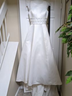 Size 8 Elegant Wedding Dress for Sale in Lutherville-Timonium,  MD