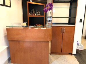 SMALL,RECEPTIONIST DESK,& MATCHING STAND (( FREE DELIVERY AVAIL )) for Sale in Bel Air, MD