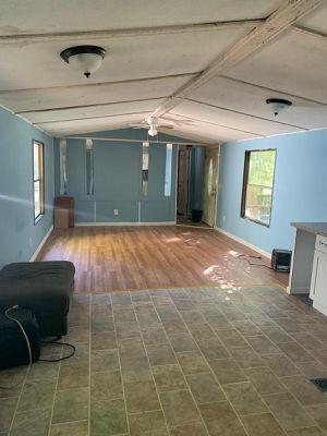 Casa Movil [ mobile home] 450 la renta del lote.. no tiene aire central for Sale in Hillsborough, NC