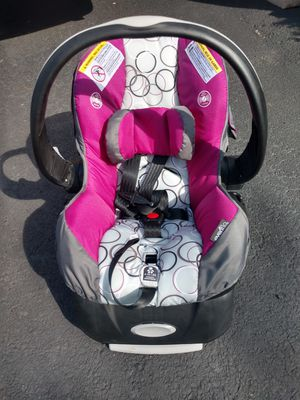 Evenflo Embrace 35 Car Seat for Sale in Chesterfield, VA