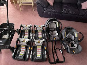 Chico Travel Trio System car seat 8 Pcs For Sale $200 8 pieces for Sale in Browns Mills, NJ