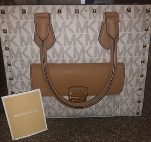 MK handbag. for Sale in Waterbury, CT