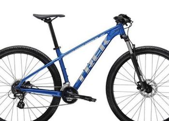 Beautiful Blue Hybrid Bicycle [Great Condition] large (6'0 Tall M) for Sale in Santa Monica,  CA