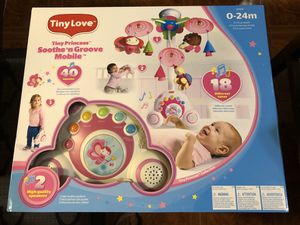 Tiny princess Soothe and Groove Mobile. for Sale in Berwyn, IL