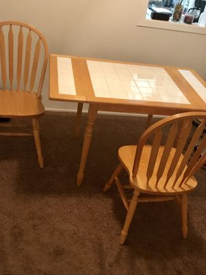Kitchen table with 2 chairs for Sale in Pittsburgh, PA