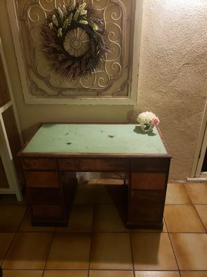 Old desk for Sale in Covina, CA