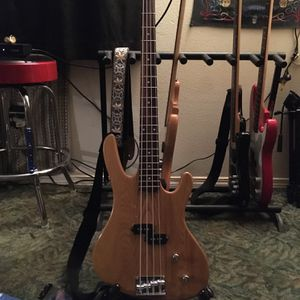 Washburn XB 100 for Sale in Vancouver, WA