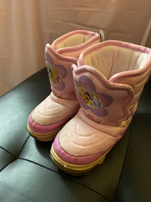 Girl's Princess winter boots for Sale in Chicago, IL