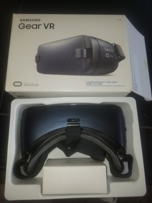 Samsung gear vr for Sale in Oxon Hill, MD