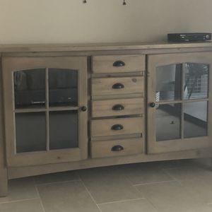 Tv Stand Rooms to Go ! for Sale in West Palm Beach, FL