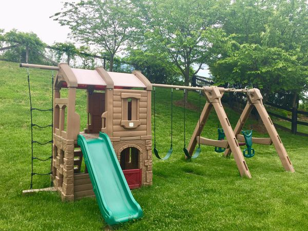 Step2 Naturally Playful Adventure Lodge Play Center w/Glider