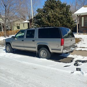 1999 Chevy k2500 for Sale in Denver, CO