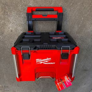 "New Milwaukee PACKOUT 22"" Rolling Tool Box for Sale in Modesto, CA"