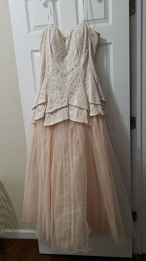 Champagne prom/ wedding dress for Sale in Maineville, OH