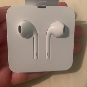 Wired Apple headphones for Sale in Valley Stream, NY