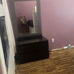 2 Mini Dressers With Mirror for Sale in Corona,  CA