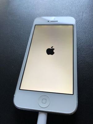 iPhone 5 (Apple Logo only) for Sale in Gilbert, AZ